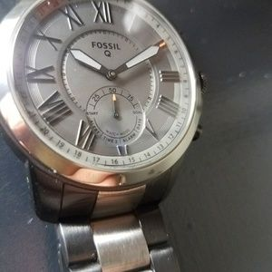 New in Box! Men's Fossil Hybrid Smartwatch!
