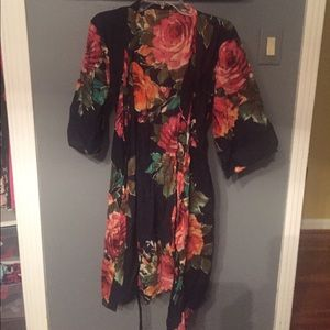 Other - Floral thin robe!