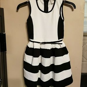 Knitworks Other - Knitworks black and white dress