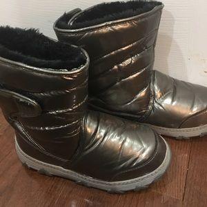 Khombu Shoes - Khombu silver  waterproof boots (moon boot style)