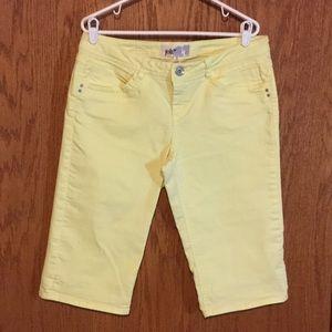 Jolt Pants - Jolt Stretch Denim Pale Yellow Shorts