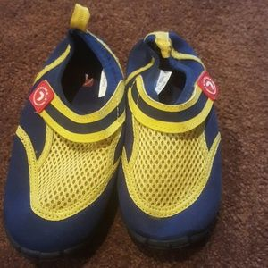 Triangle Other - Toddler water shoes