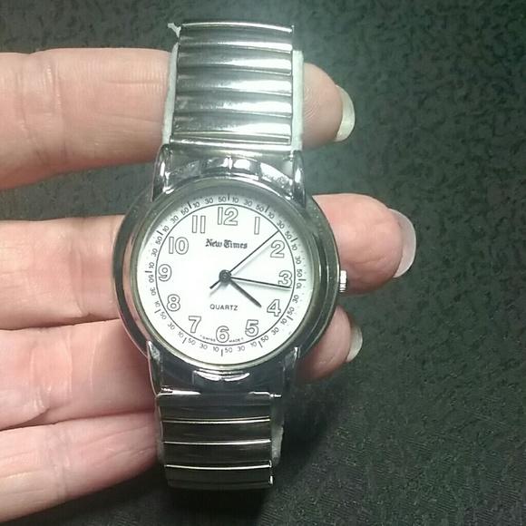 quartz silver stretch band jewelry analog from