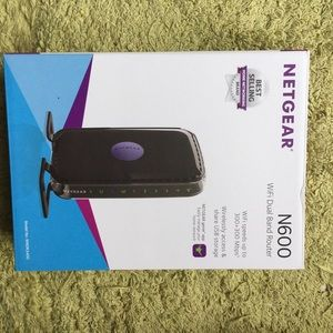 Accessories - NETGEAR N600 Wifi Band Router