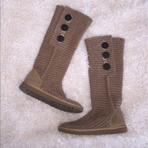 Size 6 UGG knit boots