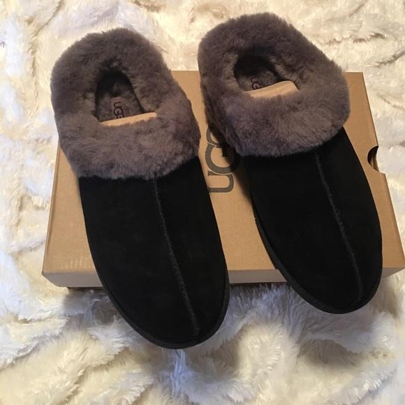 2d9b2de9b8b UGG slippers women's size 11 black Moraene NWT
