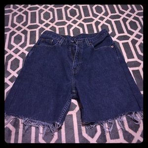 Levi's Pants - High waisted shorts