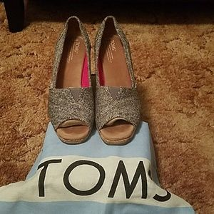Wedge Toms