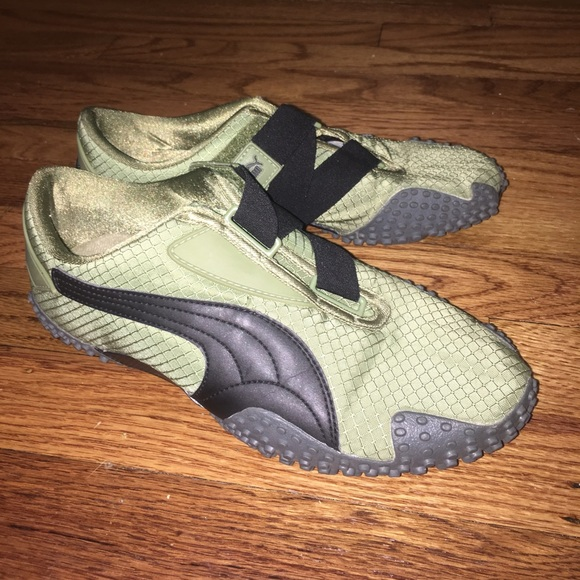 puma trainers with velcro strap
