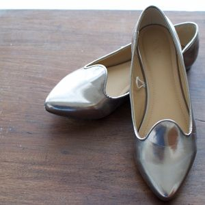 Shoes - Silver cute flats