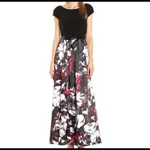 Dresses & Skirts - Women's Chiffon Maxi Dress