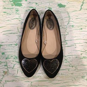 Stevies Other - 💛Stevies Girls' Flats w/Glittering Hearts 💖 VGUC