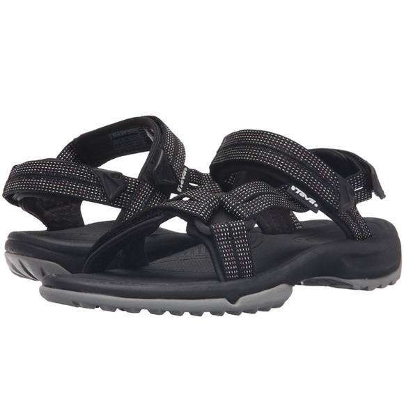 3b1d8d717ff5 🌟MOVING SALE🌟Teva Women s W Terra Fi Lite Sandal.  M 59096f558f0fc4cd6e01748a