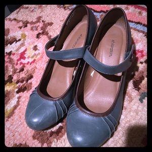 Xhilaration Shoes - Xhilaration pinup style heels