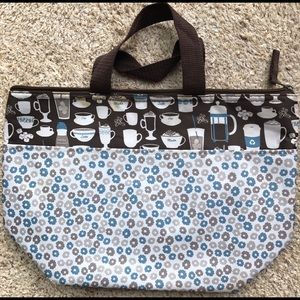 Thirty One Handbags - Sale! 🎉 Thirty-One insulated lunch tote