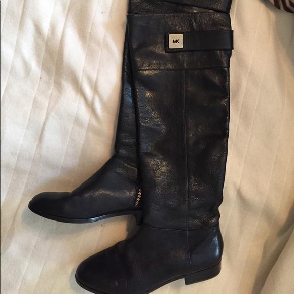 a62b859b8424e FLASH SALE 🔥Michael Kors tall leather boots! M 5909dccd13302adb19002d1f