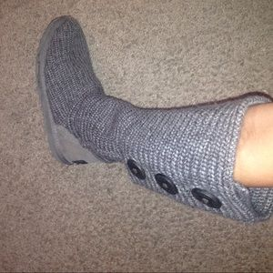 Gray knitted UGG boots. Size 6. Used.
