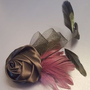 Elegant Rosette Hair and Pin Accessory