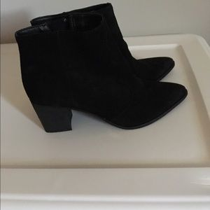 Dolce vita ankle boots 6.5