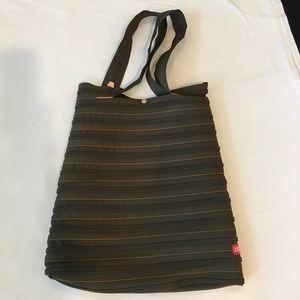 NWOT Zippered bag dark olive color