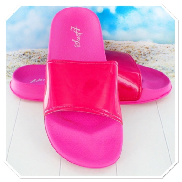 Swift Shoes - Beach / Poolside Sandals