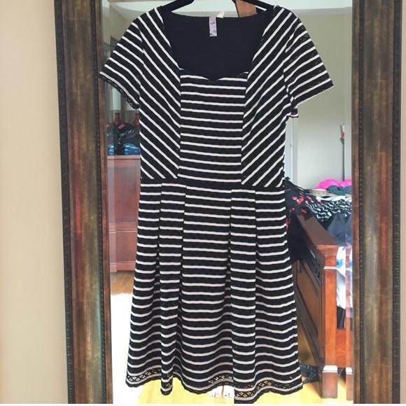 Alya Dresses - NWT! Black and White Striped Dress!