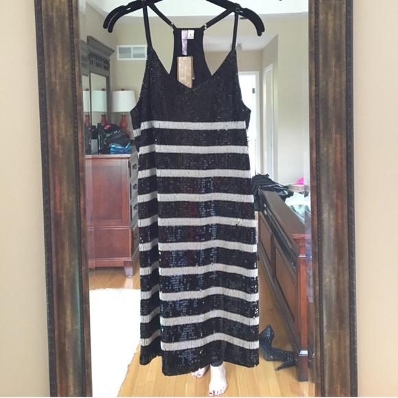 Alya Dresses - Sexy Black and White Sequin Dress