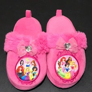 👧Size 11/12 Disney Princesses Pink Slippers💖