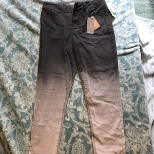 Melissa McCarthy Denim - FINAL PRICE Melissa McCarthy ombré pencil jeans.