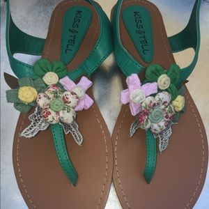 Adorable floral sandal