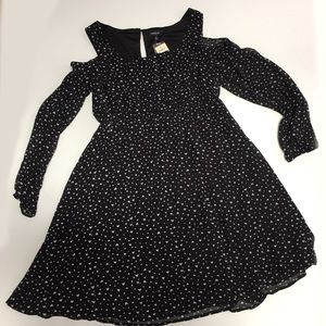 torrid Dresses & Skirts - NWT Torrid Heart Print Cold Shoulder Dress