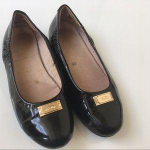Venettini Other - Venettini Ballet Flats Size 32 (US 1)