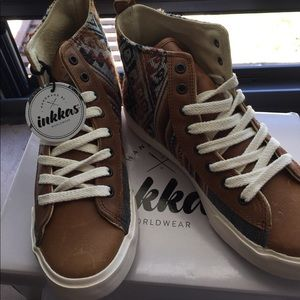 Inkkas Hi Top Sneakers, Brown Size 7