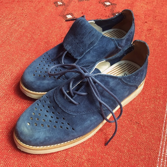 Amazing Urban Outfitters Bdg Metallic Christina Wingtip Oxford In Blue For Men