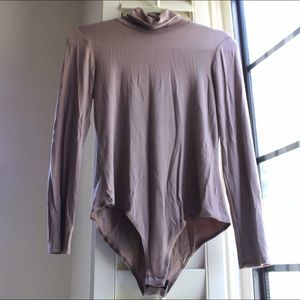Tops - Taupe turtleneck body suit
