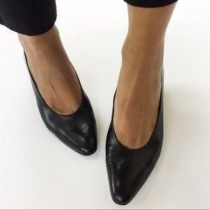 Salvatore Ferragamo Shoes - Ferragamo Black Pumps