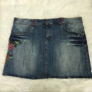 Venezia Dresses & Skirts - Venezia Denim Skirt with Floral Embroidery – SZ 20