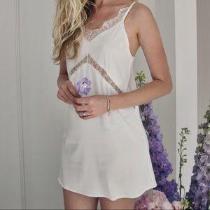 LF Dresses & Skirts - 💜 September gurls 💜 satin slip dress