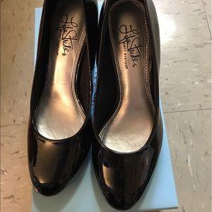 Life Stride Shoes - Super comfortable size 6 pump.