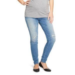 Liz Lange for Target Denim - MATERNITY skinny jeans for every season!