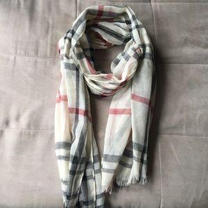 Burberry look-alike scarf!