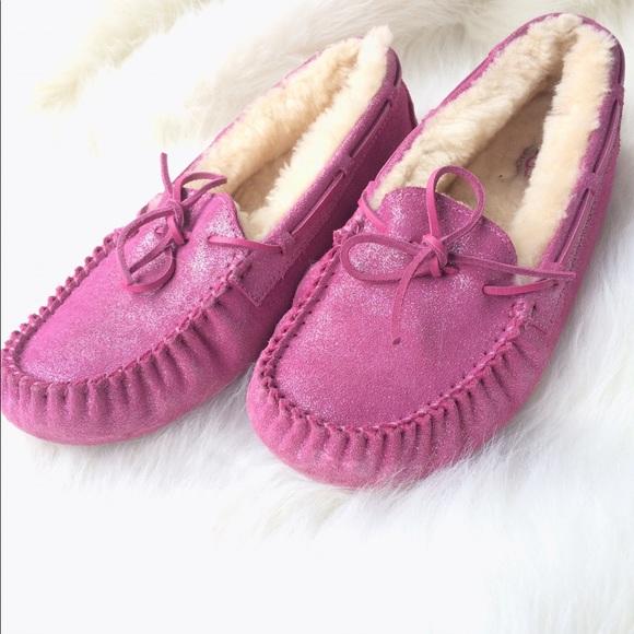 aebe87eca3a 💥PRICE DROP! UGG Dakota Pink Sparkle Size 6/7