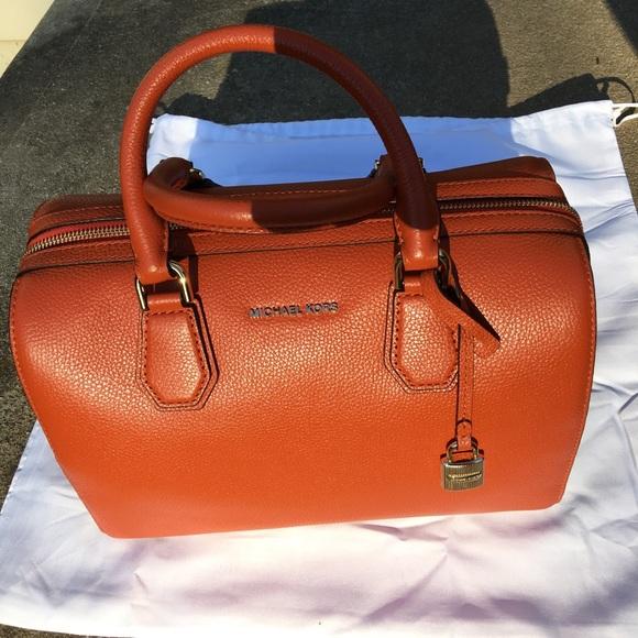 9acf013e49 NWT Michael Kors orange Medium Duffle Mercer Bag