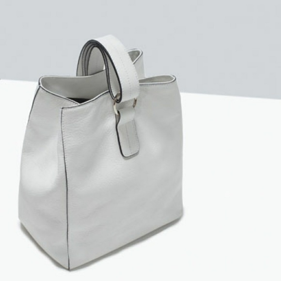 Zara Handbags - ZARA White Leather Bucket Bag 2 Way Shoulder Bag