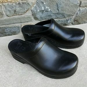 Dansko Shoes - Dansko Sonja open back clogs