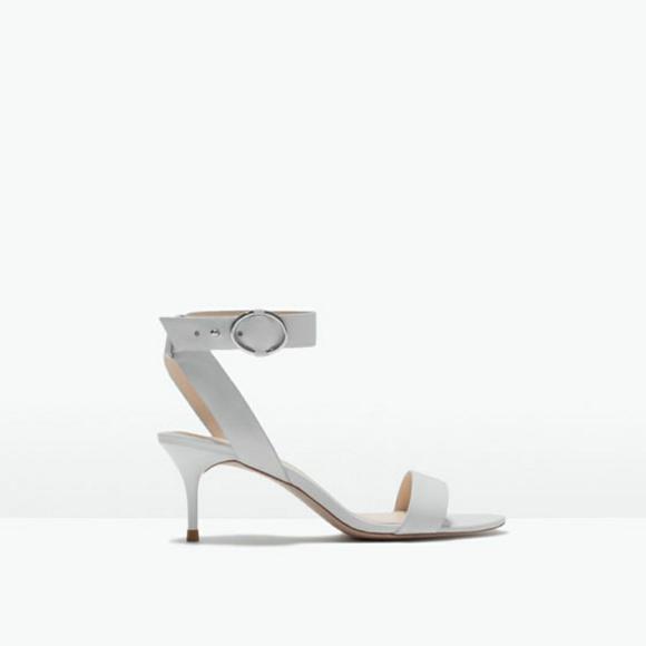 1110e09e4f18 ZARA White Mid Heel Sandal Ankle Strap Kitten Heel