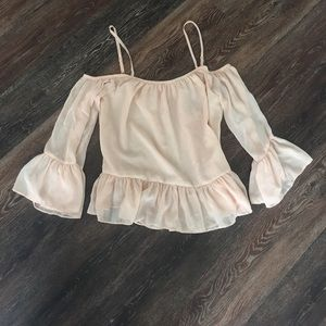 Lovers + Friends Tops - ❤️ PRICE ⬇️ NWOT Lovers + Friends Off Shoulder Top