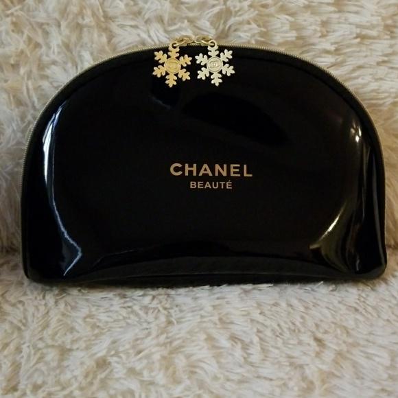 96 off chanel handbags �� medium chanel beaute makeup