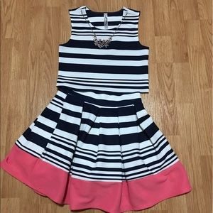 Knitworks Other - Girls 2 pc Skirt Set w/necklace