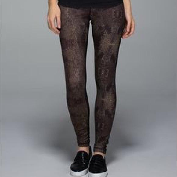 6481ea59d53f lululemon athletica Pants - Lululemon Wunder Under Pant SE 3D Print